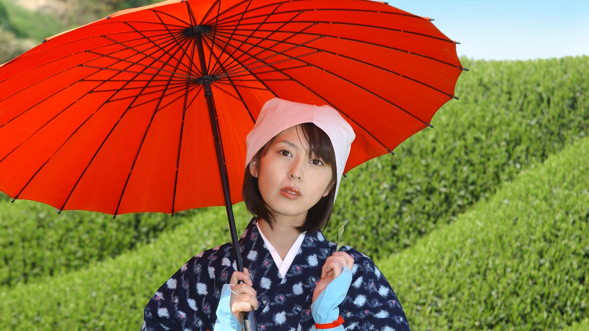 Model Ayano